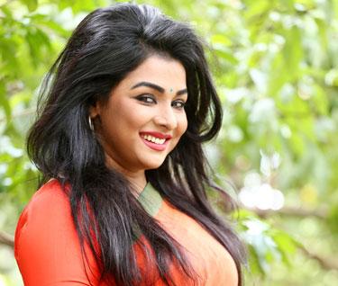 রুনা খান